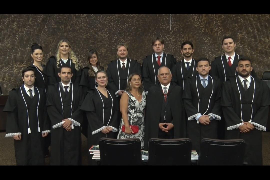 Presidente do TJ dá posse a 12 novos juízes